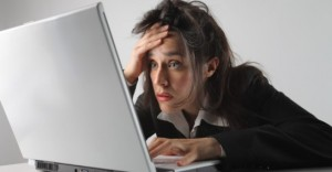 woman_work_burn-out_computer_laptop_broken_0-545x285