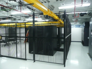 Wire-Partition-Colocation-Enclosure-Protecting-Server-Racks-in-Computer-Room@2x